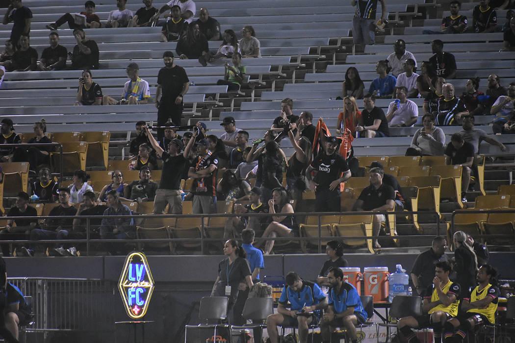 Un grupo de aficionados de Orange County viajaron a Las Vegas para presenciar el partido. Miércoles 26 de septiembre de 2018 en Cashman Field. Foto Anthony Avellaneda / El Tiempo.