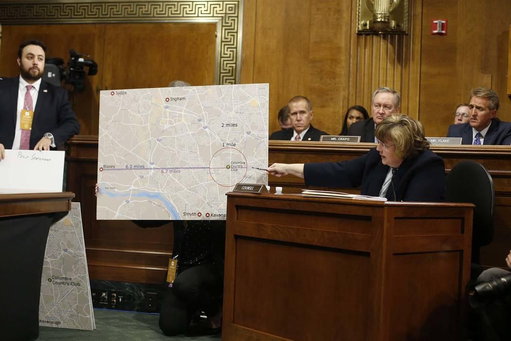 La fiscal de Phoenix, Rachel Mitchell, hace preguntas a Christine Blasey Ford en la audiencia del Comité Judicial del Senado, el jueves 27 de septiembre de 2018 en el Capitolio de Washington. (Mi ...