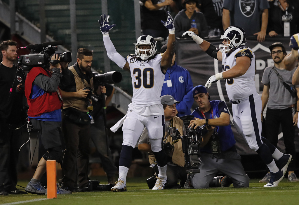 Rams Raiders Football