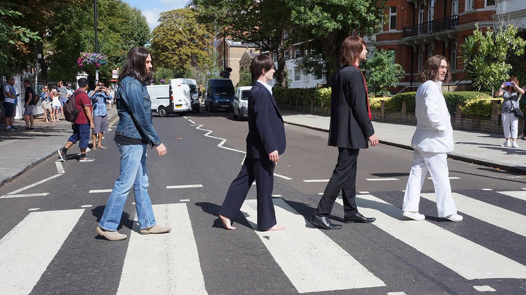 """ARCHIVO. Londres, 8 Ago 2018 (Notimex- Marcela Gutiérrez).- El casting de la producción musical """"Let it Be"""" rindió tributo a Los Beatles, a 49 años del aniversario de la famosa fotografía ..."""