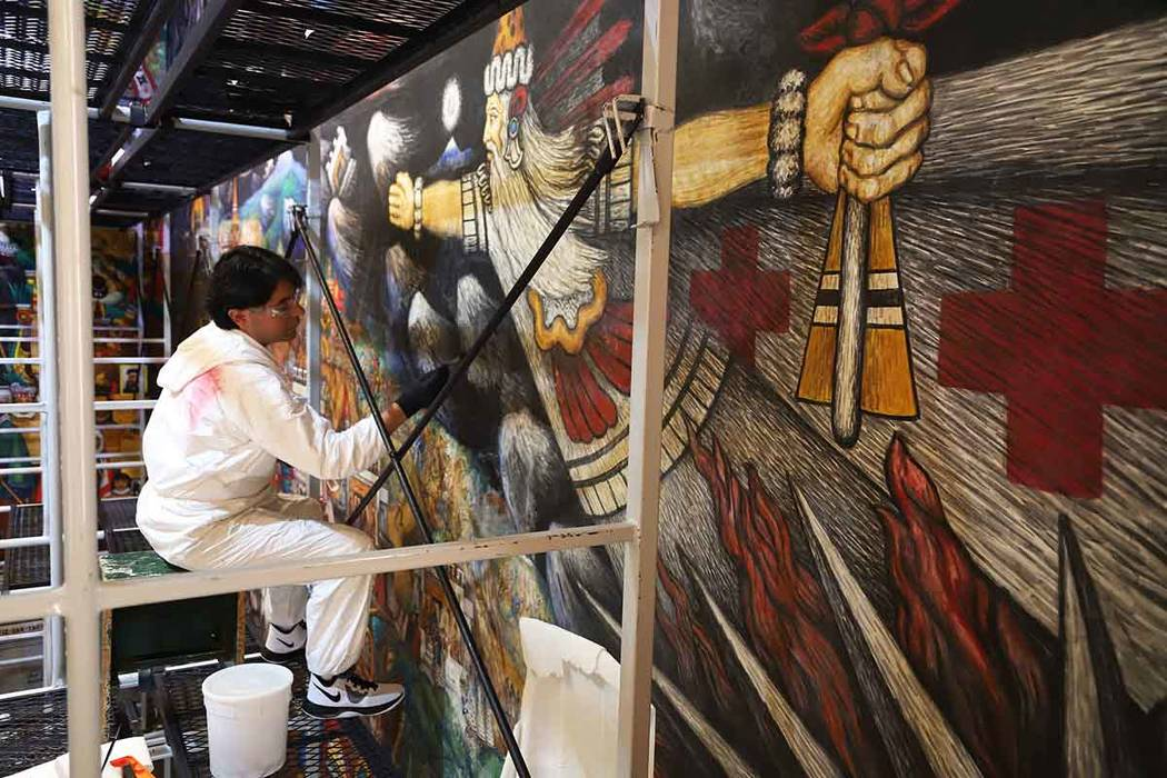Tlaxcala 9 Oct 2018 (Notimex-Especial).- Autoridades tlaxcaltecas de cultura informaron que los trabajos de restauración de los murales del Palacio de Gobierno, que llevan a cabo en coordinación ...
