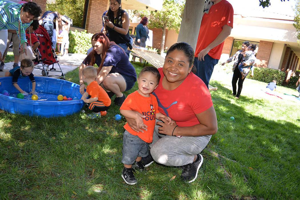 Martha Zurita, madre del niño Víctor Carmona está contenta con el desarrollo que tiene su hijo en el centro. Viernes 28 de septiembre de 2018, en Easterseal Nevada Charleston Campus. Foto Frank ...