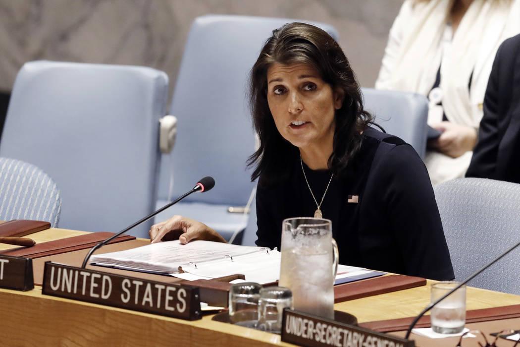 La embajadora de los Estados Unidos, Nikki Haley, se dirige al Consejo de Seguridad de las Naciones Unidas, el lunes 17 de septiembre de 2018, en la sede de los EE.UU. (Richard Drew / AP)