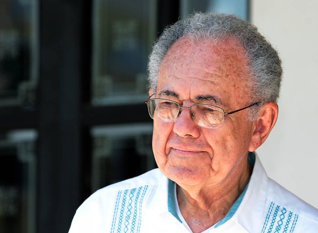 Campeche, 13 Oct 2018 (Notimex-Arturo Monroy).- Javier Jiménez Espriú, próximo titular de Secretaría de Comunicaciones y Transportes, asistió a la reunión del presidente electo de México, A ...