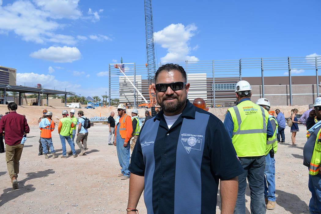 Marco Hernández es uno de los más de 200 trabajadores que han contribuido para que el estadio abra sus puertas el 9 de abril de 2019. Jueves 11 de octubre de 2018, en la obra negra del estadio B ...