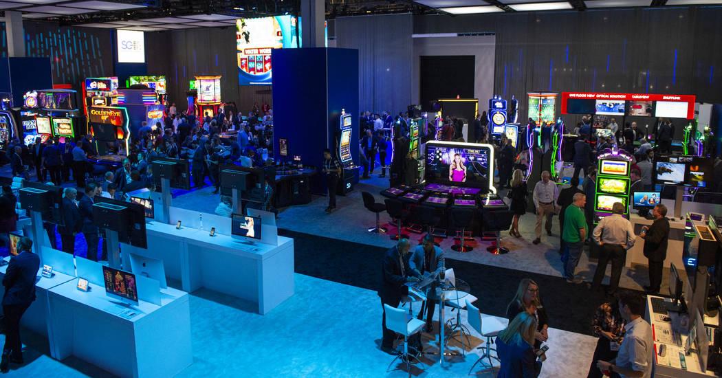 Scientific Games muestra sus nuevos juegos y tecnología detrás de un muro que rodea el stand para ofrecer una mejor experiencia de usuario en la 18ª edición anual de Global Gaming Expo en Sand ...