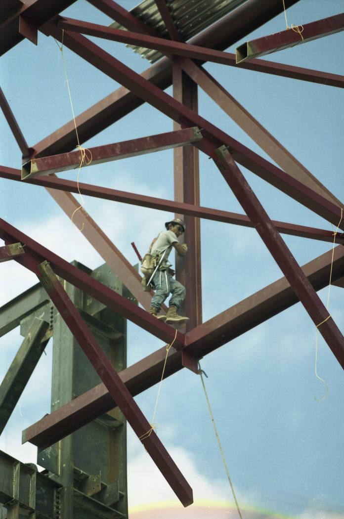Construcción de Bellagio en agosto de 1996. (Foto de archivo RJ)