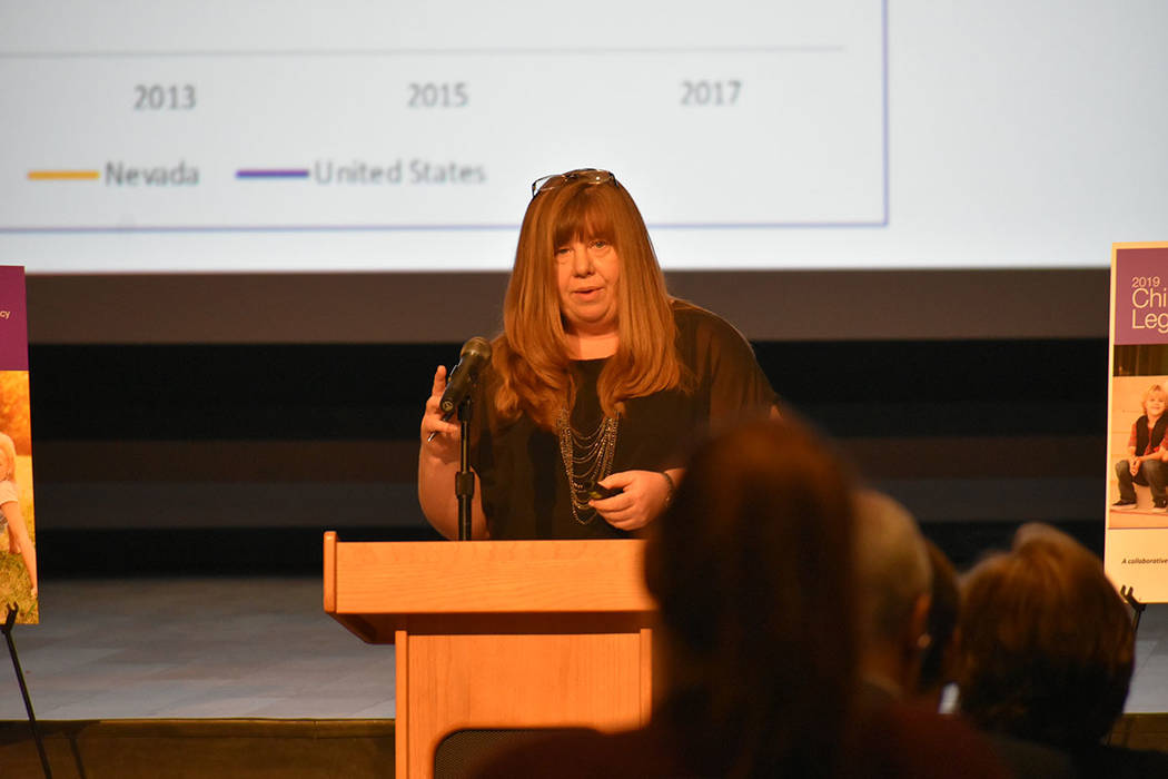 La directora ejecutiva de Children's Advocacy Alliance, Denise Tanata, aseguró que para mejorar estas estadísticas es necesario el trabajo bipartidista. Miércoles 10 de octubre en la Bibliote ...