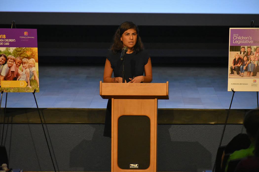 La especialista en asociaciones del Censo 2020, Arlene Álvarez, fue una de las oradoras del evento. Miércoles 10 de octubre en la Biblioteca Windmill. Foto Anthony Avellaneda / El Tiempo.