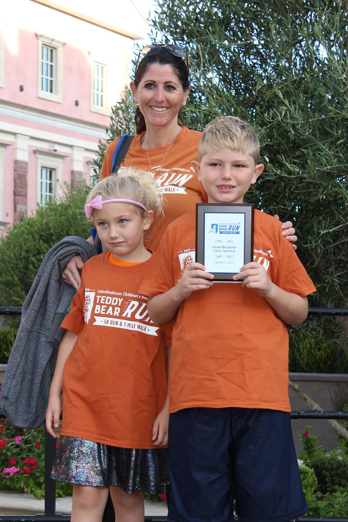 Cole Arnold asistió con su familia a recibir un reconocimiento y participaron en la competencia. Sábado 13 de octubre del 2018, en el centro comercial Tivoli Village. Foto Cristian De la Rosa / ...