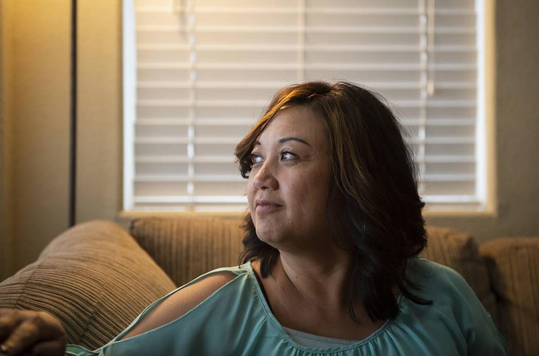 Melissa Tolentino de Las Vegas, ahora en sus 50 años, fue diagnosticada con cáncer de mama en sus primeros 40 años. (Caroline Brehman / Las Vegas Review-Journal) @carolinebrehman