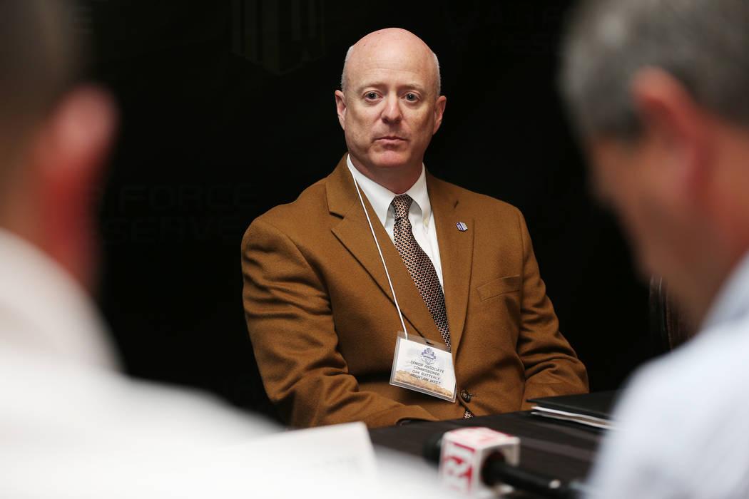 El comisionado Craig Thompson, habla durante la Cumbre de Medios de la Conferencia Mountain West en The Cosmopolitan de Las Vegas, el martes 16 de octubre de 2018. (Erik Verduzco / Las Vegas Revie ...