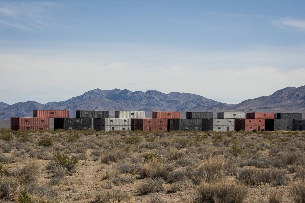Los edificios hechos de contenedores de envío apilados esperan su próximo ejercicio en el Nevada Test and Training Range el domingo 21 de mayo de 2017. Patrick Connolly Las Vegas Review-Journal ...