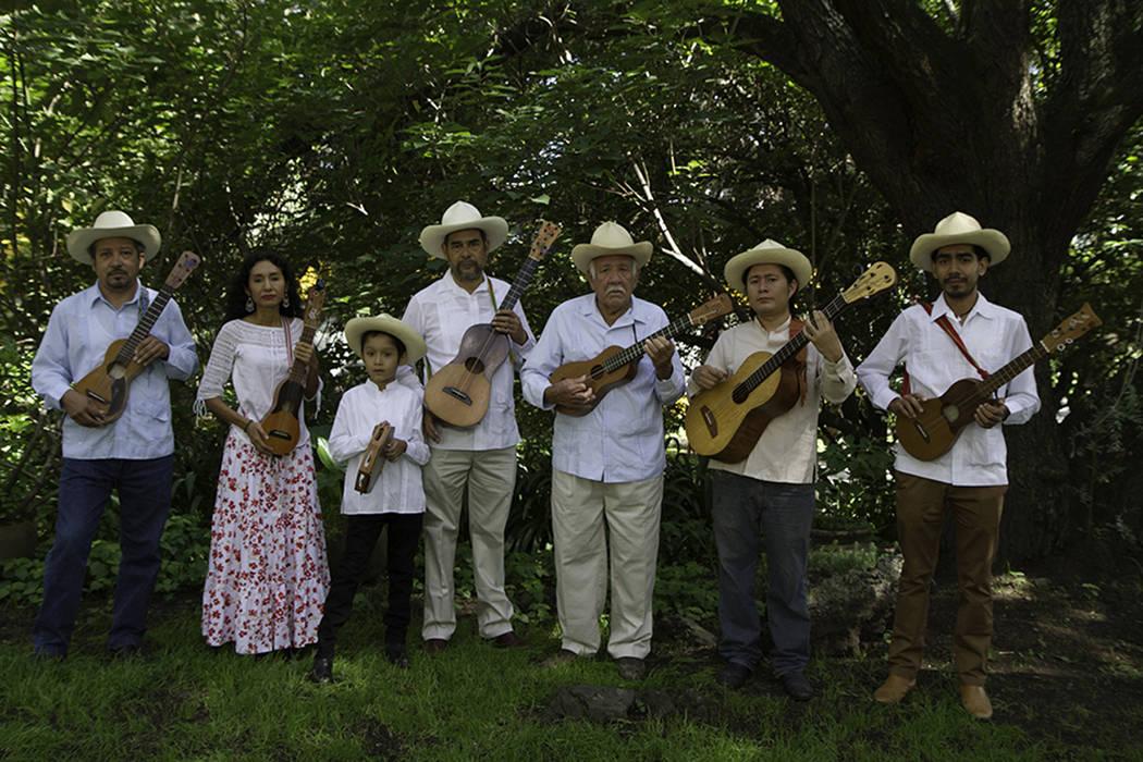 El Centro Cultural Winchester, contará con la participación del grupo veracruzano Mono Blanco, en el 18avo festival anual del Día de los Muertos. Foto Cortesía.