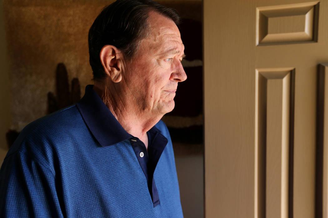 El agente retirado del FBI Johnny Smith, de 73 años, habla sobre el caso de secuestro de Cary Sayegh durante una entrevista el 26 de septiembre de 2018, en su casa de Las Vegas. El niño de 6 añ ...