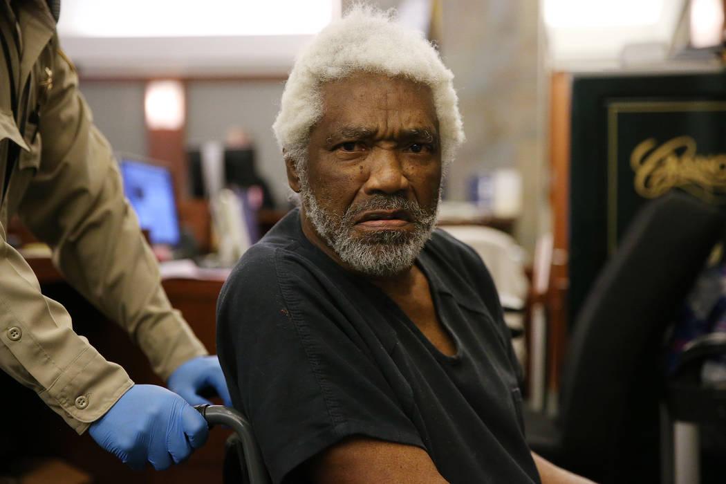 Nathan Burkett, de 68 años, presunto asesino en serie, se declaró culpable de dos cargos de asesinato en segundo grado en el Centro de Justicia Regional de Las Vegas el jueves 25 de octubre de 2 ...