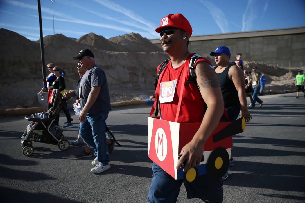 Randy Ramos durante la carrera Halloween Half 5K en el hotel-casino Fiesta Henderson en Las Vegas, el sábado 27 de octubre de 2018. Erik Verduzco Las Vegas Review-Journal @Erik_Verduzco