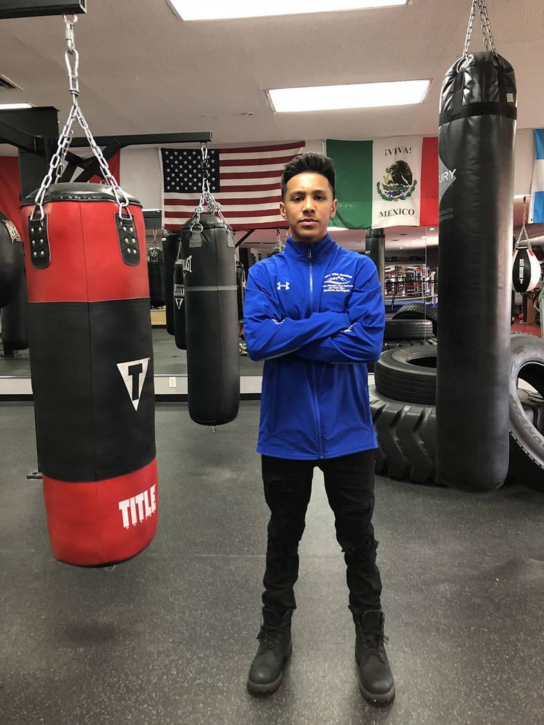 Emiliano Fernando Vargas está clasificado número en el box amateur nacional. Domingo 28 de octubre de 2018 en el Gym de su padre. Foto Valdemar González / El Tiempo - Contribuidor.