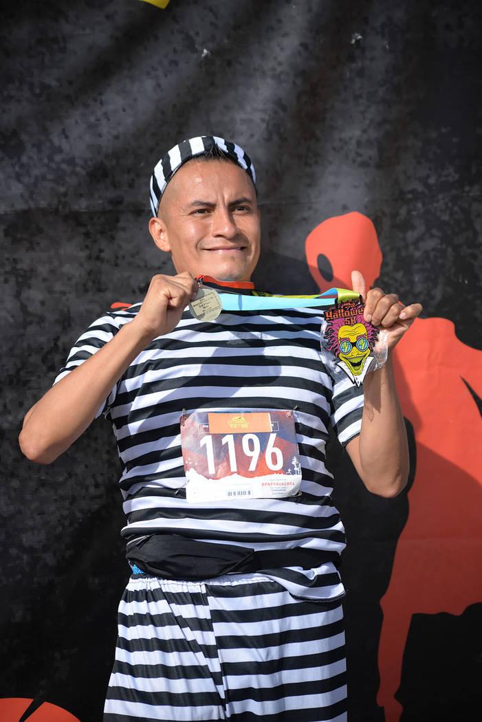 Omar Domínguez corrió cinco kilómetros en 19:33 minutos. Sábado 27 de octubre de 2018 en Henderson. Foto Frank Alejandre / El Tiempo.
