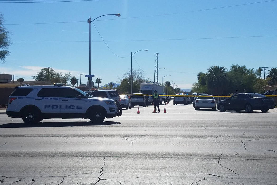 La policía de North Las Vegas está investigando un tiroteo involucrado con oficiales el miércoles. (Mike Shoro / Las Vegas Review-Journal)