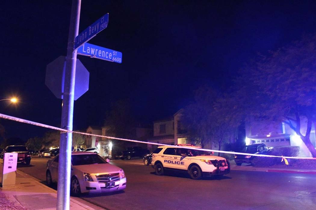 La policía de North Las Vegas fue solicitada a la cuadra 6700 de Courtney Michelle Street el jueves 1 de noviembre de 2018 y encontró a una niña de 11 años que había recibido un disparo. Ella ...