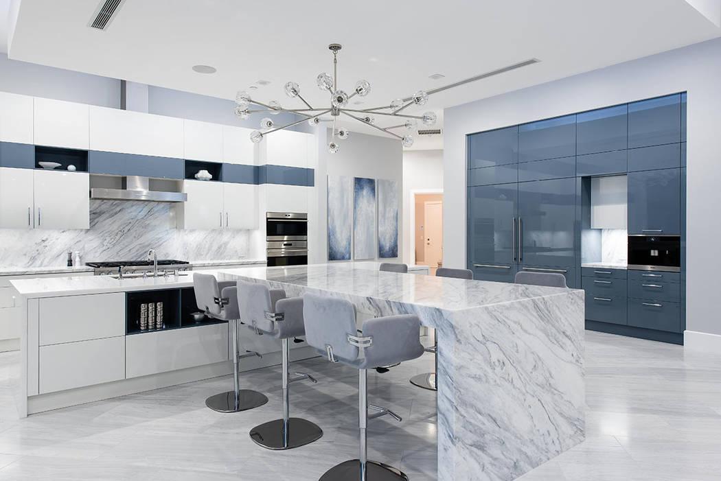 La cocina presenta gabinetes Scavolini. (Steve Morgan)