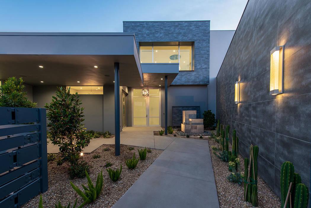 El hogar en 15 Flying Cloud Lane en Summerlin tiene un diseño moderno. (Steve Morgan)