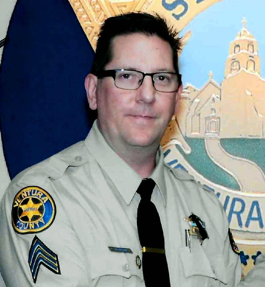 Sargento del Sheriff del Condado de Ventura, Ron Helus, fue asesinado el miércoles 7 de noviembre de 2018 en un tiroteo mortal en un bar de música country en Thousand Oaks, California (Departame ...