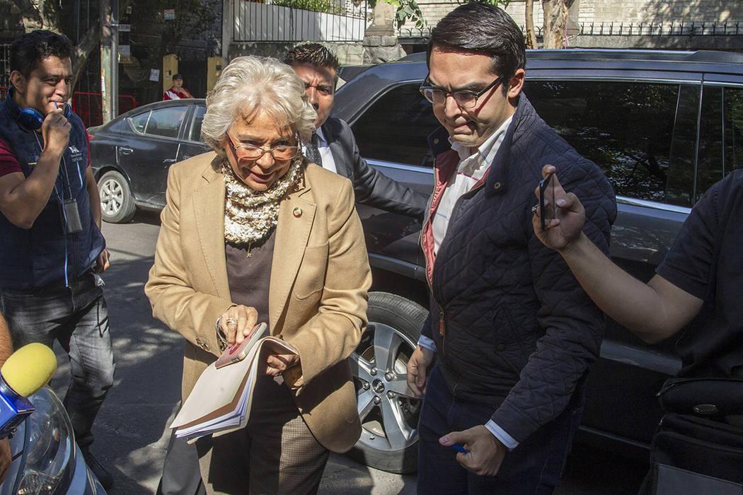 ARCHIVO. México, 9 Nov 2018 (Notimex-José Pazos).- La senadora de Morena, Olga Sánchez Cordero llegó a la casa de transición del presidente electo, Andrés Manuel López Obrador.