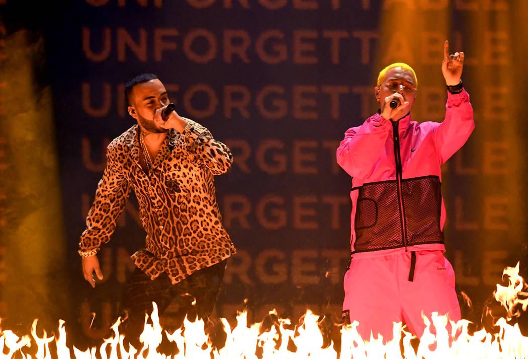 French Montana y J Balvin se presentan en el escenario en la décimo octava entrega de los premios Grammy en MGM Grand Garden Arena el 16 de noviembre de 2017 en Las Vegas, Nevada. (Foto por Kevin ...