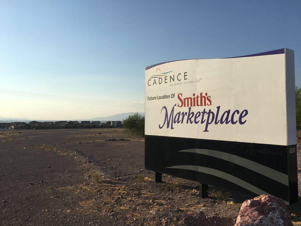 La cadena de supermercados Smith's en 2016 adquirió esta propiedad en Lake Mead Parkway y Warm Springs Road en Henderson, vista el 13 de agosto de 2018, para una nueva tienda. No se ha construido ...