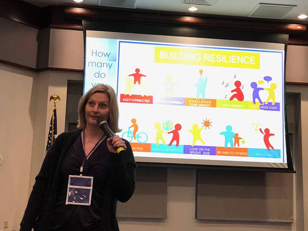 La enfermera Catie Chung habló sobre construir una resiliencia para el trabajo diario, durante la Conferencia de Enfermeras Holísticas. Viernes 9 noviembre de 2018. Foto Valdemar González / El ...