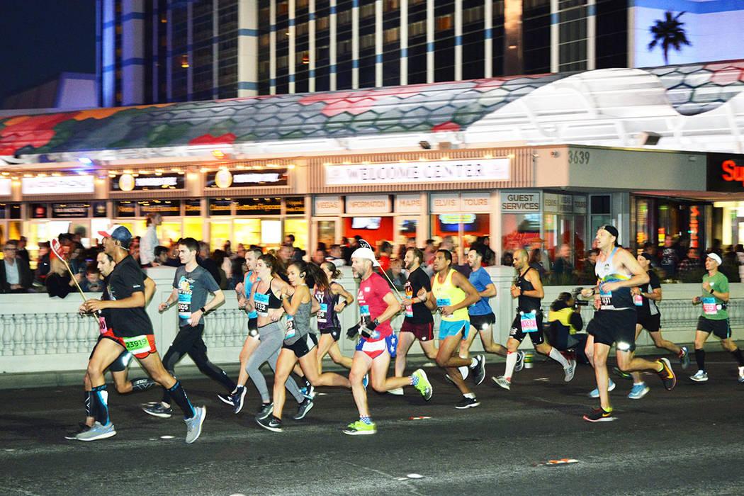 Miles corrieron las tres distancias que se ofrece a los participantes, la seguridad fue impecable. Domingo11 de noviembre de 2018, en el maratón internacional de Las Vegas. Foto Frank Alejandre / ...