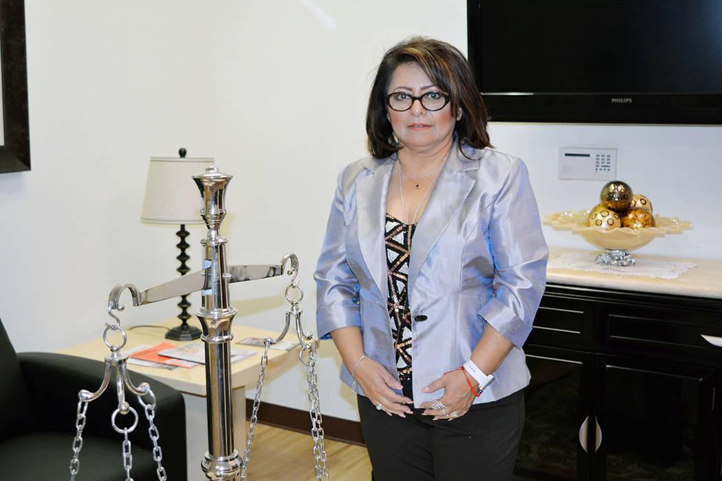 La señora Jackie Villeda es fundadora de la agencia Coaching Pros. Viernes 9 de noviembre de 2018, en las oficinas del abogado Paul Padda. Foto Frank Alejandre / El Tiempo.