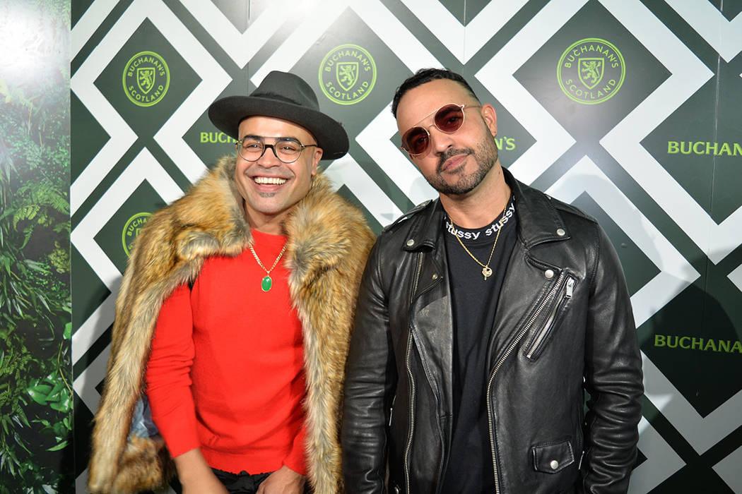 Jean Rodríguez y Danny Flores constituyen COASTCITY, el dúo nominado al Latin GRAMMY® en la categoría de Mejor Álbum de Música Urbana, ambos posaron en la alfombra verde. Martes 13 de noviem ...