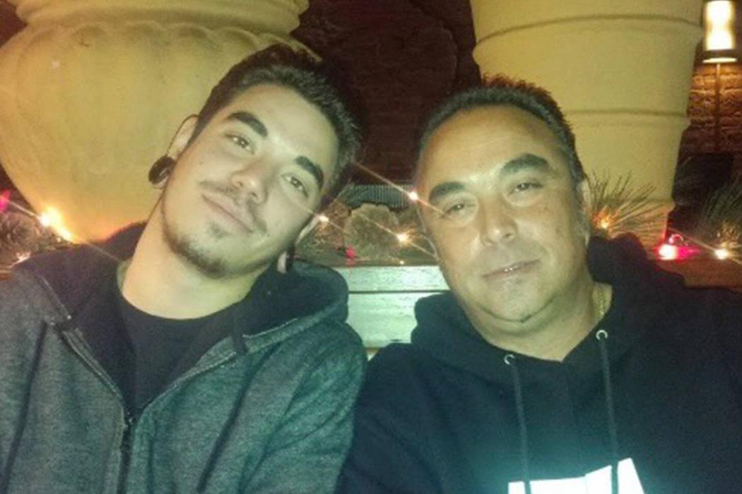 Jesús Fernández, a la derecha, fue una de las primeras víctimas del Camp Fire identificadas esta semana; murió cuando el incendio arrasó la comunidad montañosa de Paradise, California. El na ...