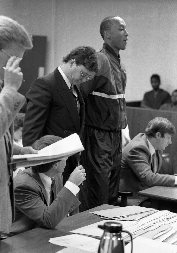 El ex recluta de baloncesto de la UNLV, Lloyd Daniels, de 19 años, en el Tribunal de Justicia de North Las Vegas, donde se declaró culpable de un delito menor por intentar comprar cocaína en un ...