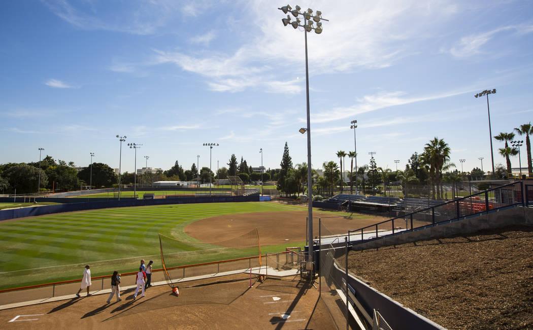 El campo de softbol en Cal State Fullerton en Fullerton, California, el miércoles 31 de octubre de 2018. Chase Stevens Las Vegas Review-Journal @csstevensphoto