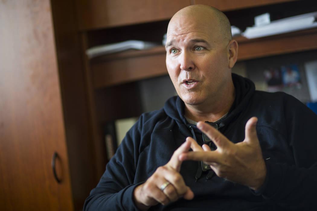 Troy Buckley, entrenador del equipo de béisbol de Long Beach State, habla sobre su programa en Long Beach, California, el martes 30 de octubre de 2018. Chase Stevens Las Vegas Review-Journal @css ...