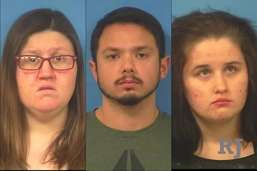 Chelsea Demille, 30, izquierda, James Thatcher, 28, centro y Sandra Wombles, 19, derecha. (Oficina del Alguacil del Condado de Nye)