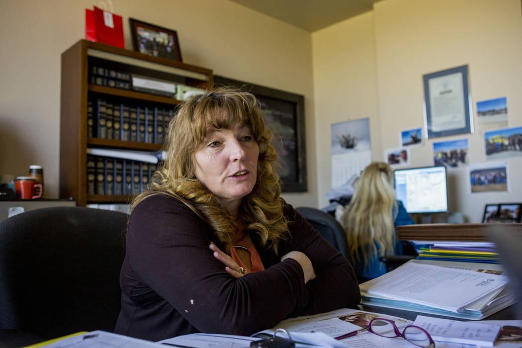 La comisionada del Condado de Clark, Marilyn Kirkpatrick, en su oficina del Centro Regional de Justicia en Las Vegas, el martes 28 de marzo de 2017. (Elizabeth Brumley Las Vegas Review-Journal) @E ...