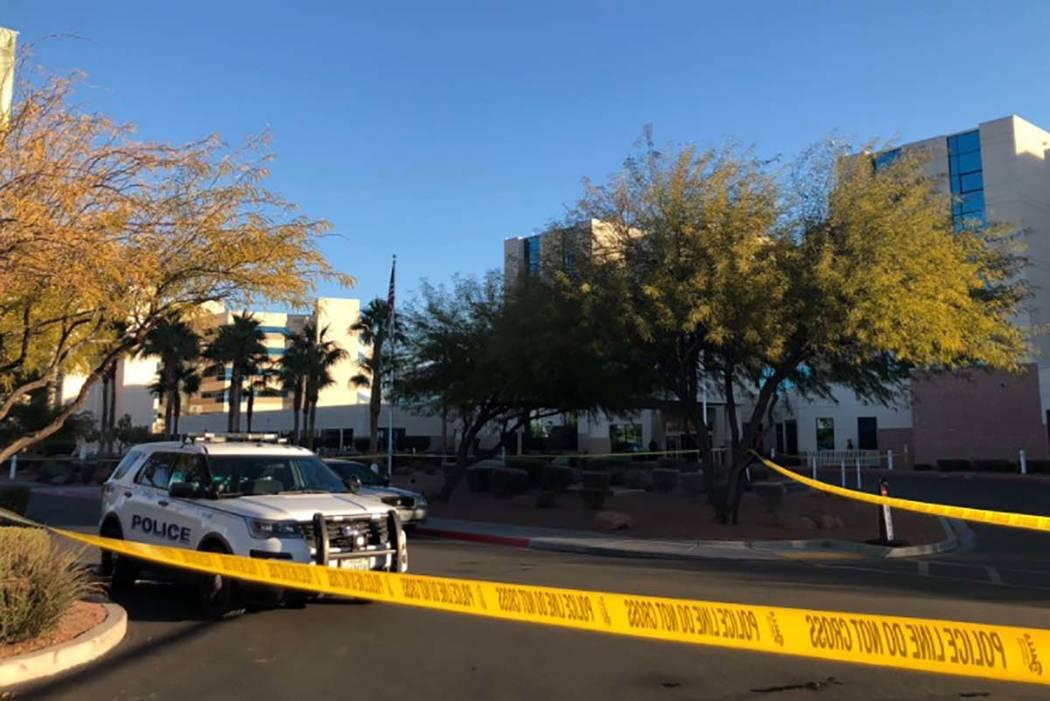 Una menor de 17 años que resultó herida en un tiroteo fue llevada al hospital MountainView, donde murió el miércoles 21 de noviembre de 2018. (Rio Lacanlale / Las Vegas Review-Journal)