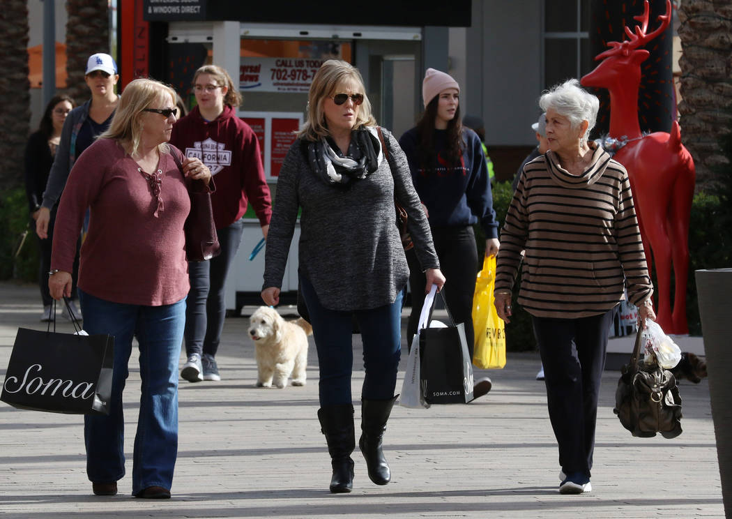 Black Friday sale shoppers shop at downtown Summerlin on Friday, Nov. 23, 2018. Bizuayehu Tesfaye Las Vegas Review-Journal @bizutesfaye