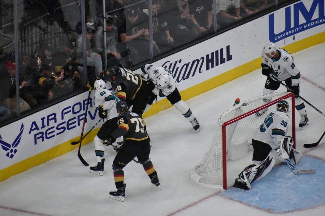 Vegas Golden Knights mostró una postura ofensiva ante San José Sharks. Sábado 24 de noviembre de 2018 en T-Mobile Arena. Foto Anthony Avellaneda / El Tiempo.
