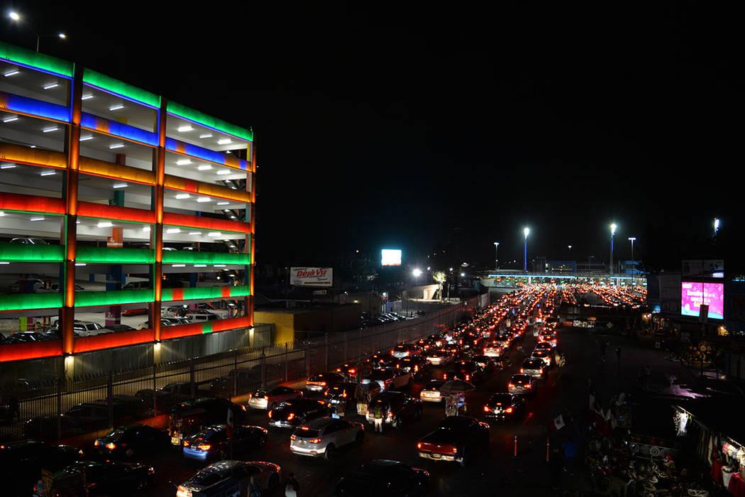 """Este es el movimiento en un día """"normal"""", en el que el cruce puede tomar hasta cuatro horas. Domingo 25 de noviembre de 2018, en Tijuana, Baja California Norte. Foto Frank Alejandre / El Tiempo."""