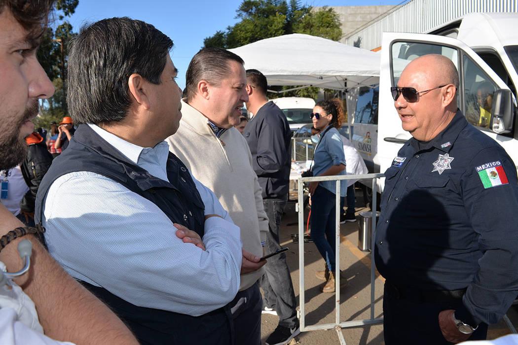 Tonatiuh Guillén, académico tijuanense, designado por el nuevo gobierno de Andrés Manuel López Obrador, al que este sábado 1 de diciembre toma posesión y debe resolver la situación. Le deja ...
