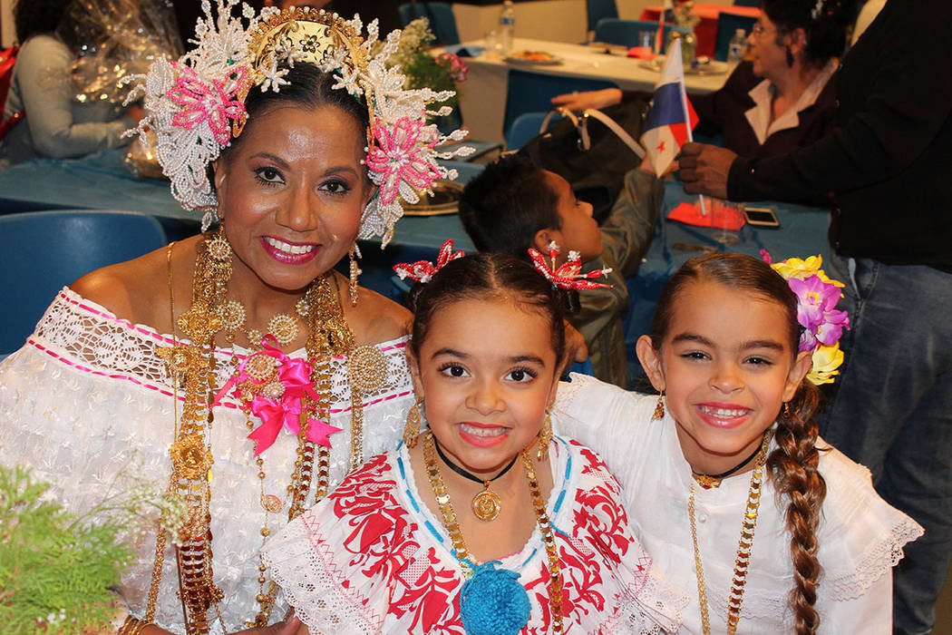 La comunidad panameña se reúne de nuevo en febrero para celebrar su carnaval. Sábado 24 de noviembre de 2018. Biblioteca West Sahara. Foto Cristian De la Rosa / El Tiempo - Contribuidor.