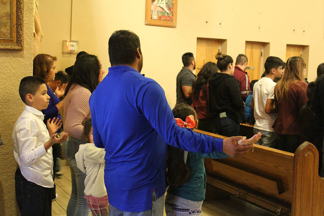 El 80% de la comunidad de la iglesia Santa Ana son hispanos. Sábado 22 de noviembre de 2018, en la iglesia Santa Anna. Foto Cristian De la Rosa / El Tiempo - Contribuidor.