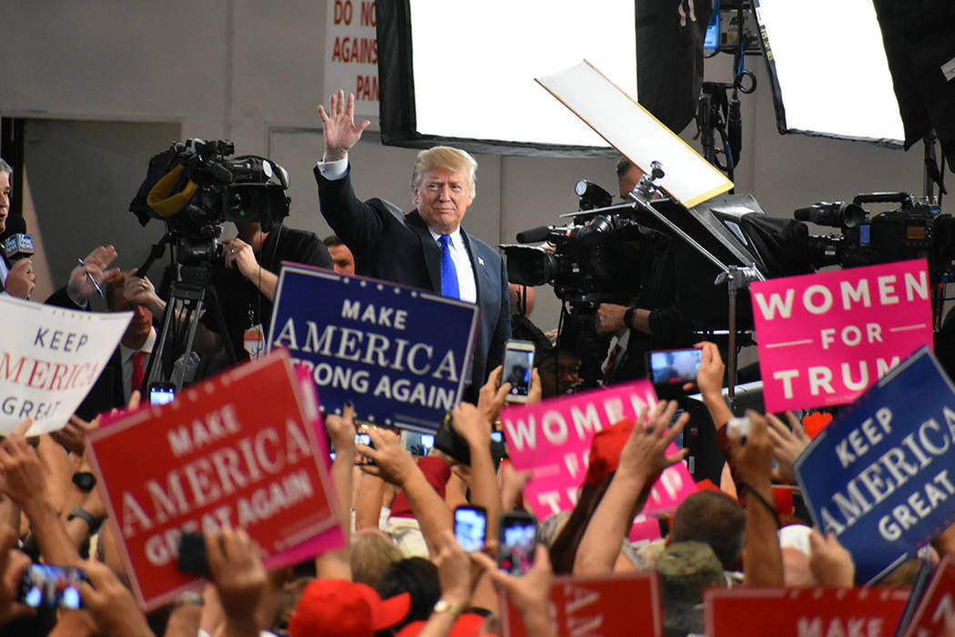 Archivo.- El presidente Donald Trump nuevamente visitó Las Vegas, ahora fue para hacer campaña a favor de los candidatos del Partido Republicano. Jueves 20 de septiembre de 2018 en el Centro de ...
