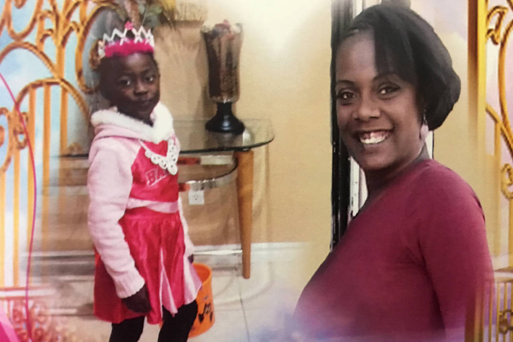 El programa de una celebración de la vida para Diana Bankstown y su hija de 8 años, Kaysha Ray, quienes perdieron la vida en un incendio en un apartamento el 19 de enero. (Pashtana Usufzy / Las ...